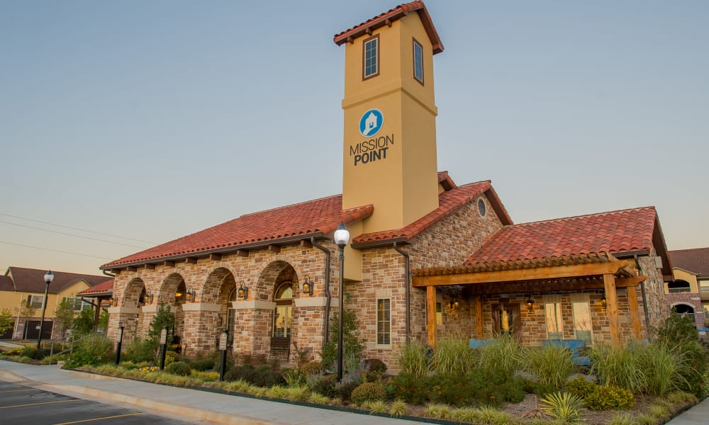 Exterior of Mission Point Apartments' clubhouse in Moore, Oklahoma
