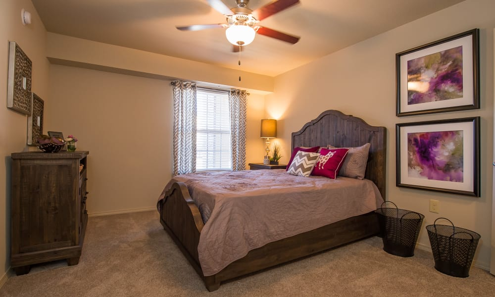 A well decorated bedroom at Mission Point Apartments in Moore, Oklahoma