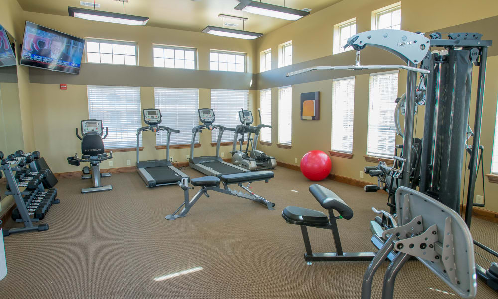 State-of-the-art fitness center at Mission Point Apartments in Moore, Oklahoma