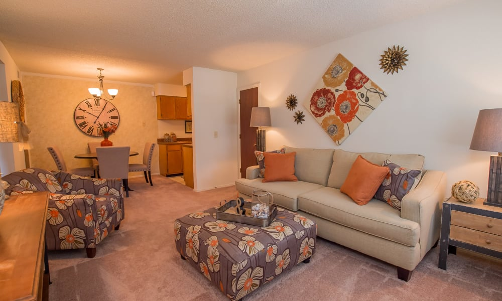 A bright apartment living room at Sunchase Ridgeland Apartments in Ridgeland, MS