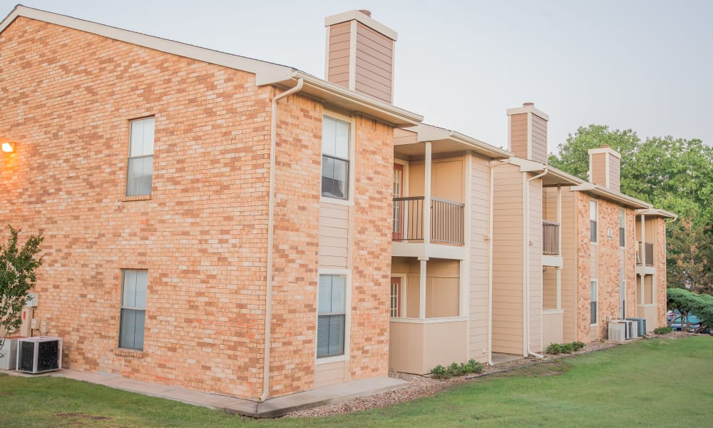 Exterior of Cimarron Trails Apartments in Norman, Oklahoma