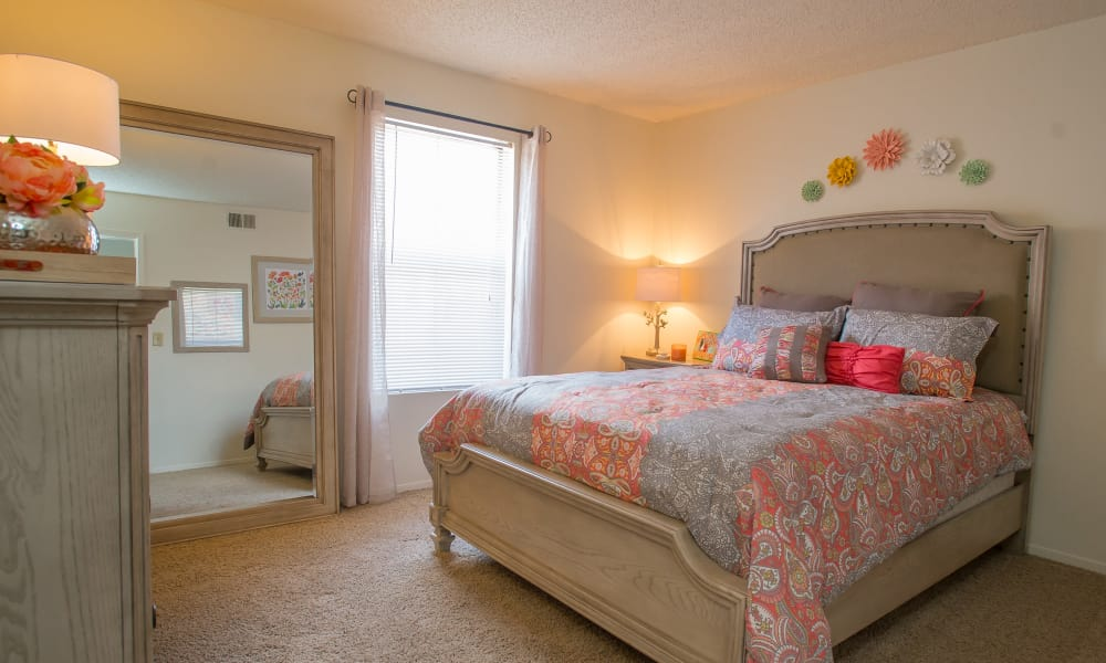 An apartment bedroom at Cimarron Trails Apartments in Norman, OK