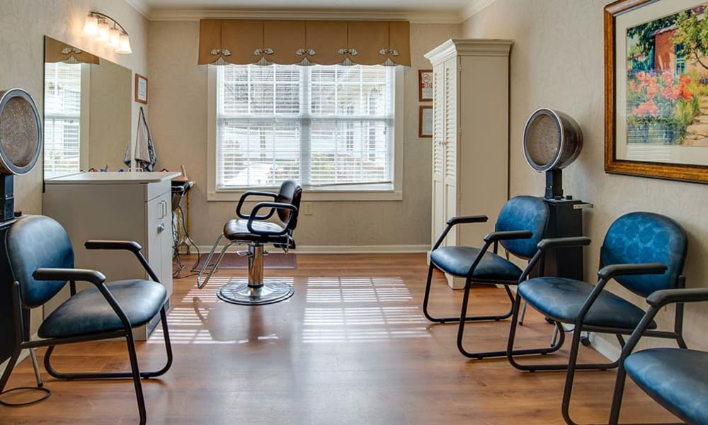Community spa for residents at Lakewood Senior Living in Springfield, Missouri