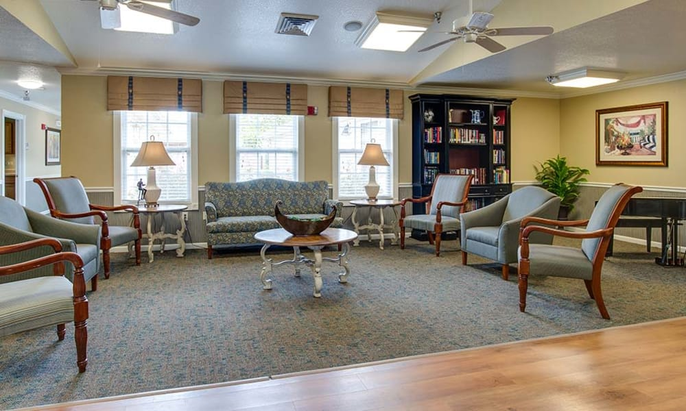Community club house at Lakewood Senior Living in Springfield, Missouri