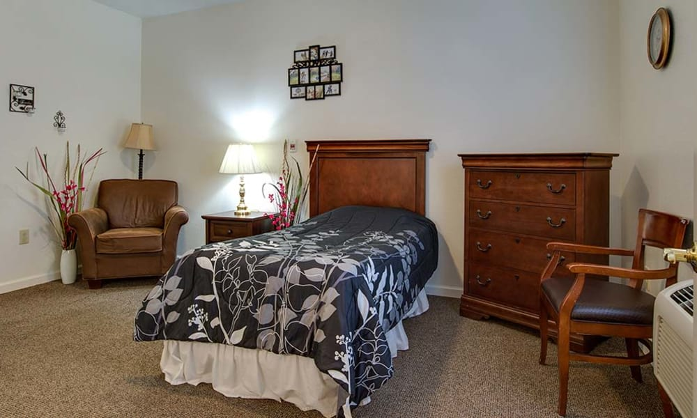 Spacious single bedroom at Hickory Gardens in Madison, Tennessee