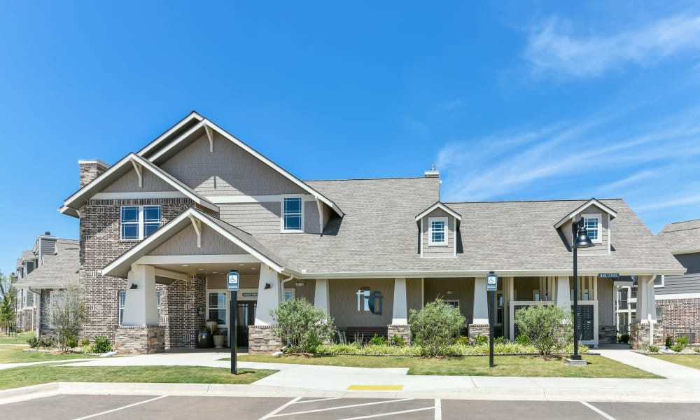 Exterior of Cottages at Abbey Glen Apartments' clubhouse in Lubbock, Texas