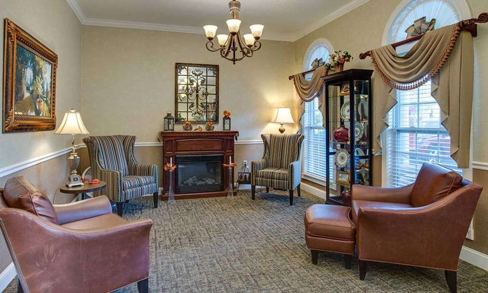 Fireside seating at Foxberry Terrace Senior Living in Webb City, Missouri