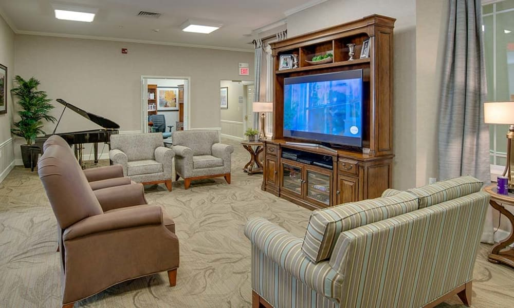 Community tv room at Chestnut Glen Senior Living in Saint Peters, Missouri