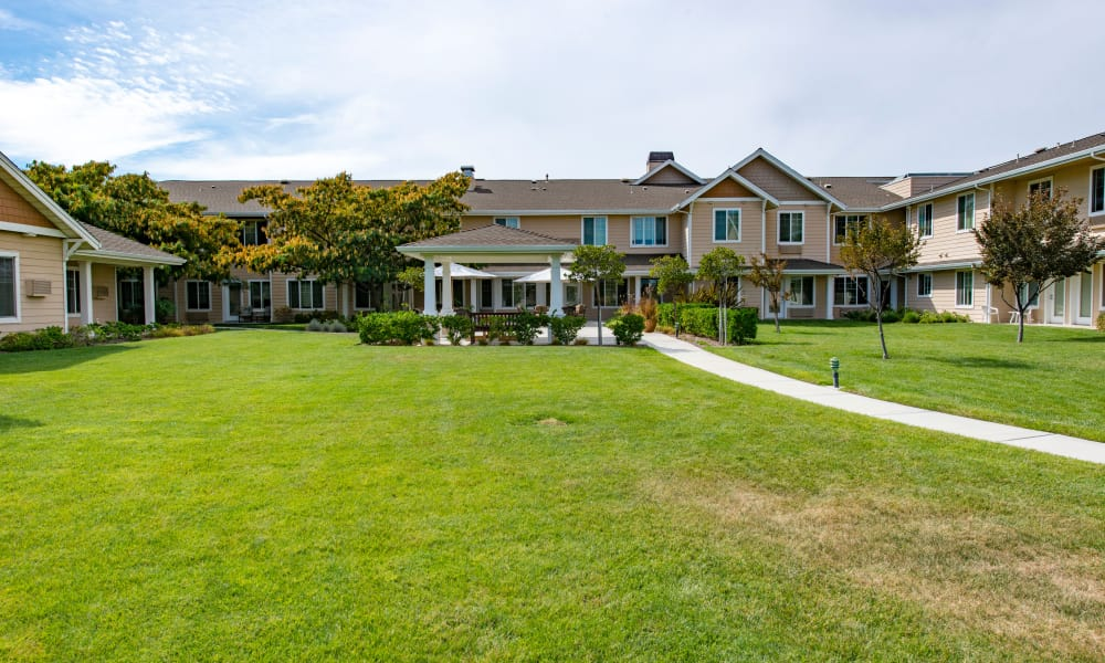 Large yard at The Commons at Dallas Ranch in Antioch, California