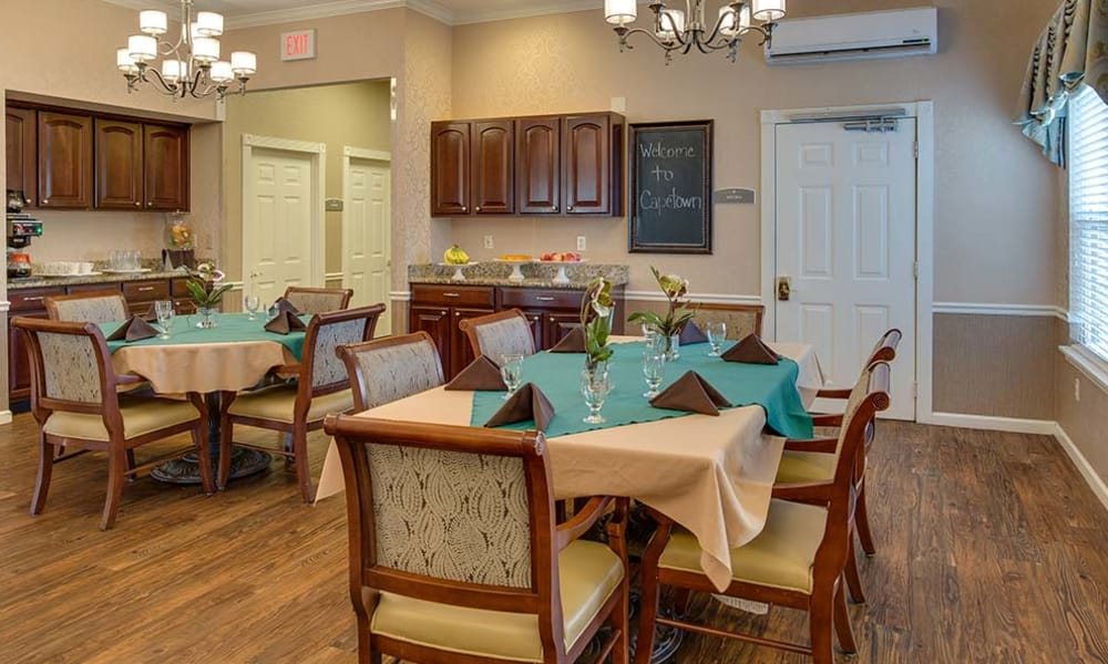 Living space and dining area at Capetown Senior Living in Cape Girardeau, Missouri