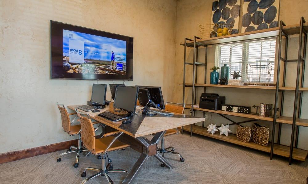 Computer room at Tuscany Ranch in Waco, Texas