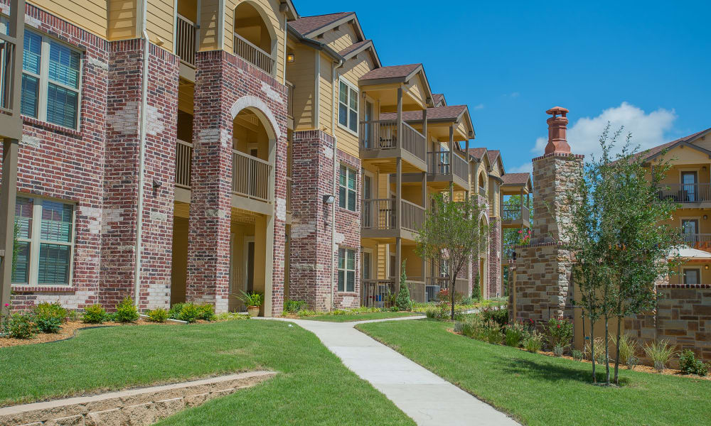 Walkway between apartments at Tuscany Ranch in Waco, Texas