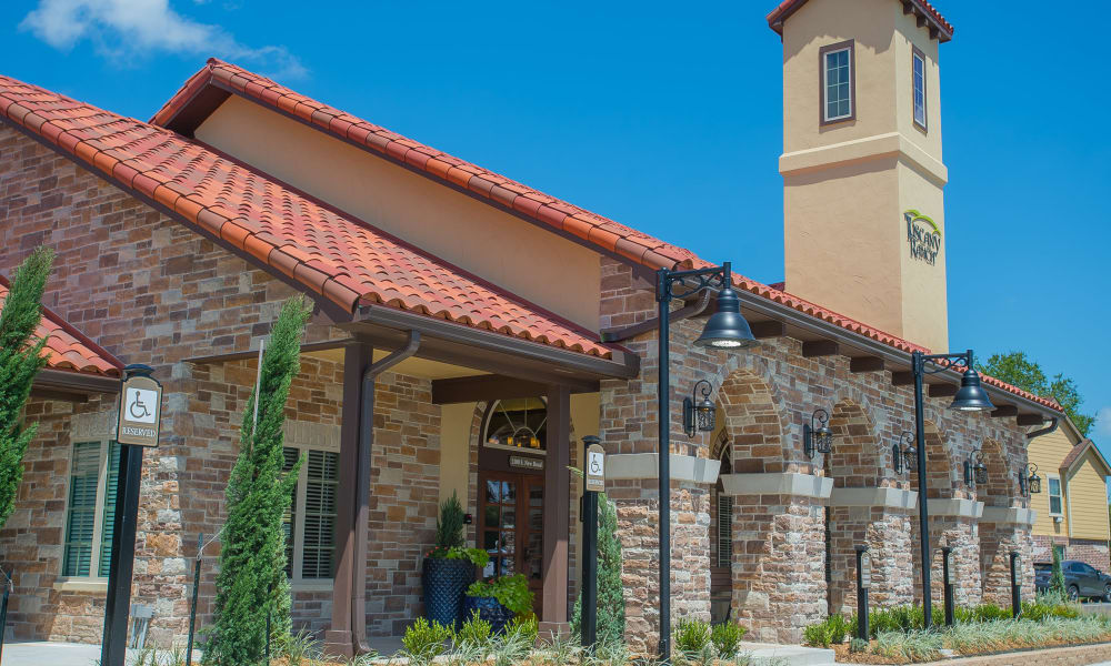 Exterior of Tuscany Ranch's clubhouse in Waco, Texas