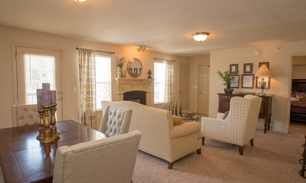 Living area at Villas at Stonebridge in Edmond, Oklahoma