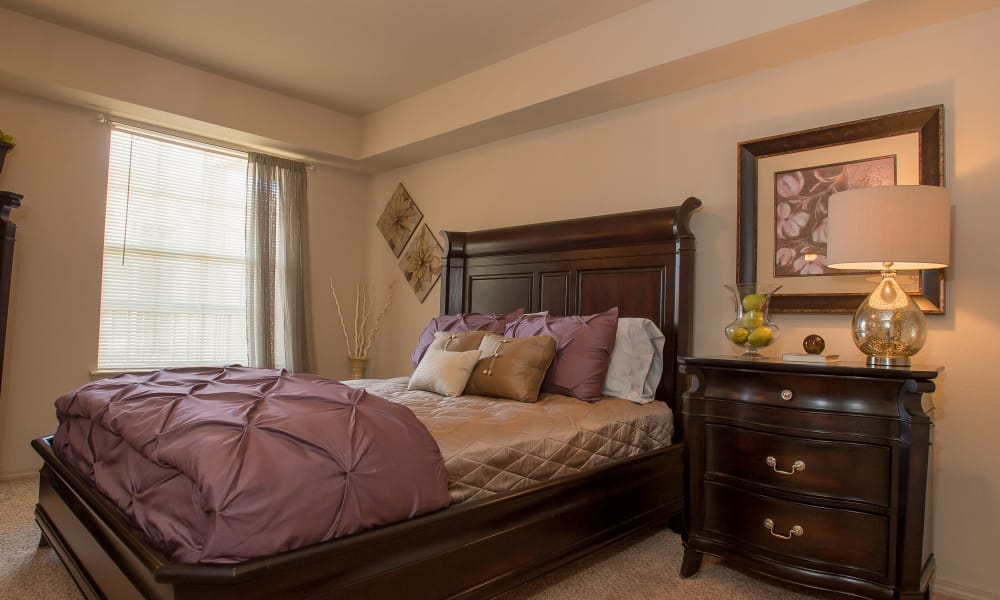 Master bedroom at Villas at Stonebridge in Edmond, Oklahoma