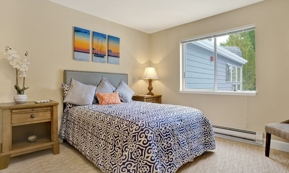 Mountlake Terrace Plaza offers a bedroom in Mountlake Terrace, Washington