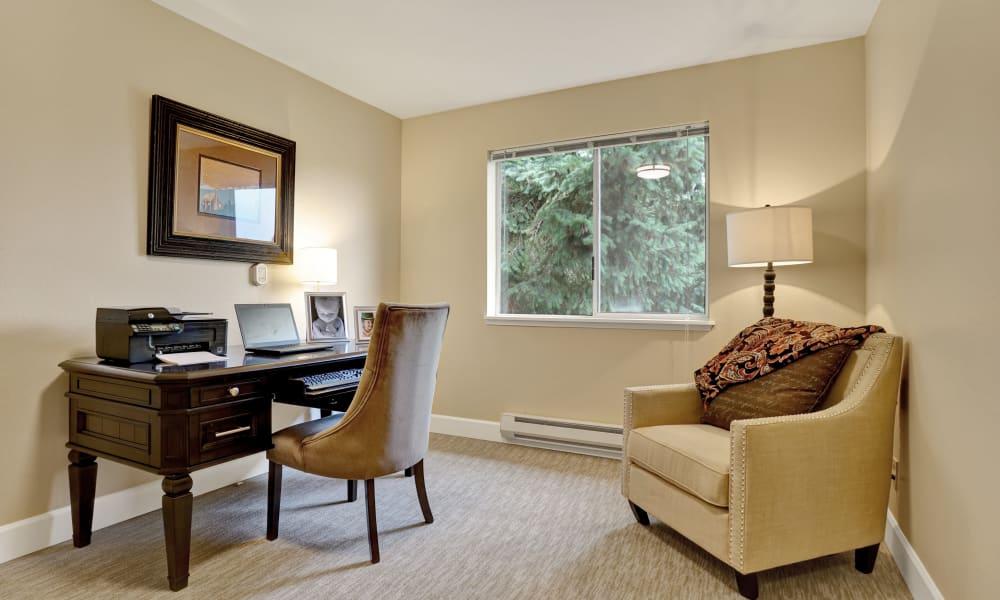 Office room at Mountlake Terrace Plaza in Mountlake Terrace, Washington