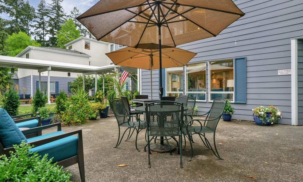 Outdoor furniture at Mountlake Terrace Plaza in Mountlake Terrace, Washington