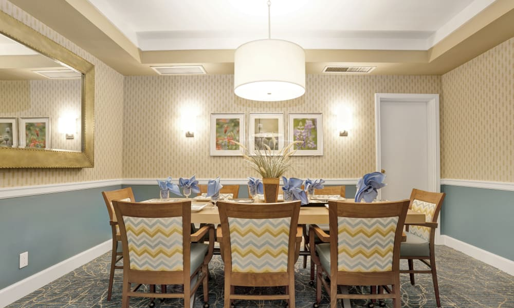 Dining area at Island House Assisted Living in Mercer Island, Washington