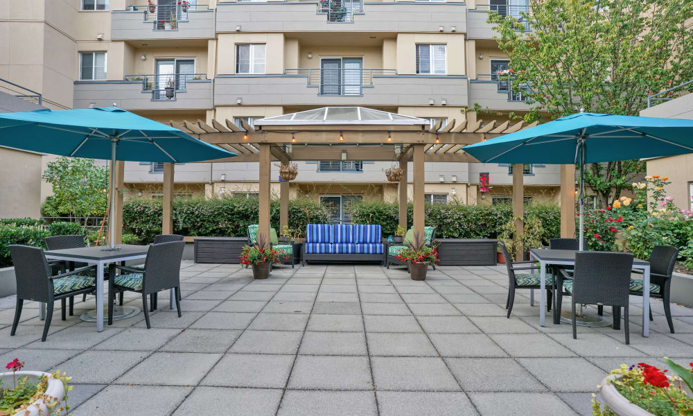 Outside area at Island House Assisted Living in Mercer Island, Washington