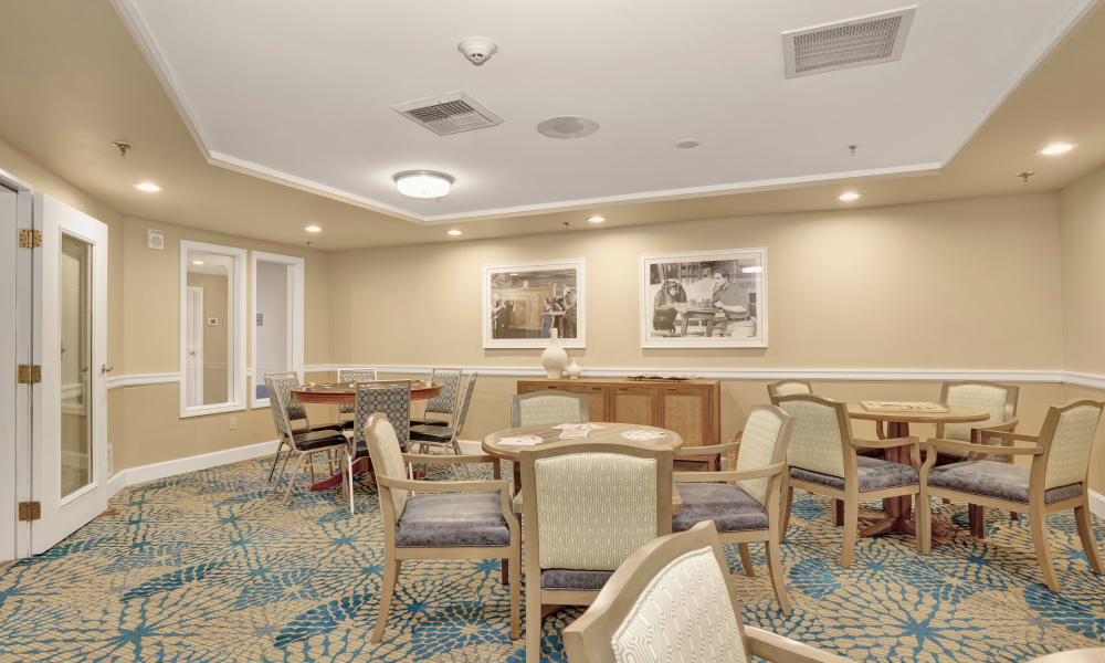 Seating area at Island House Assisted Living in Mercer Island, Washington