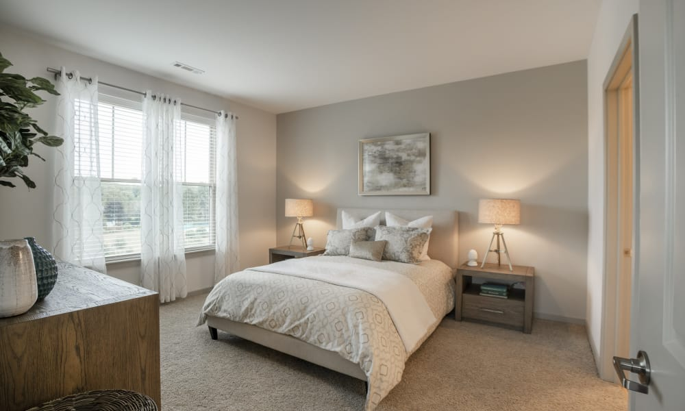 Alta Easterly offers a beautiful bedroom in East Walpole, Massachusetts