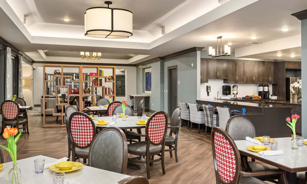 Memory Care Dining Room at Stonecrest of Troy in Troy