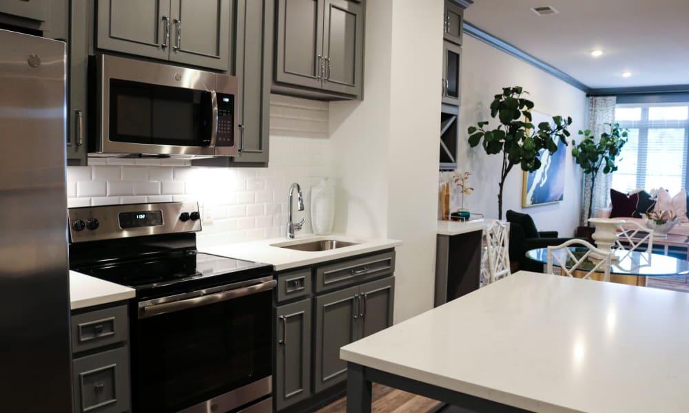 apartments 28211