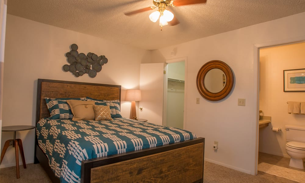 Master bedroom at Cimarron Pointe Apartments in Oklahoma City, Oklahoma