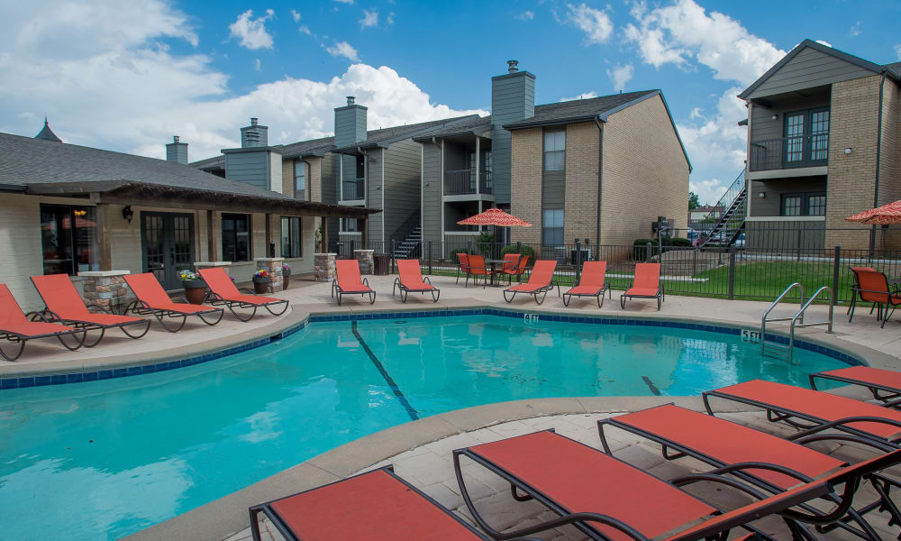 The community pool at Cimarron Pointe Apartments in Oklahoma City, OK