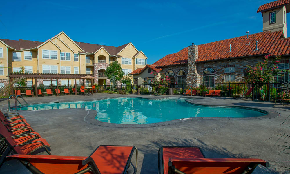 Sparkling swimming pool at Coffee Creek Apartments in Owasso, Oklahoma