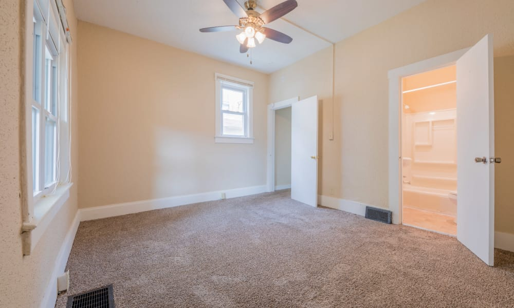 Large master bedroom at Pleasant Street Apartments in Des Moines, Iowa