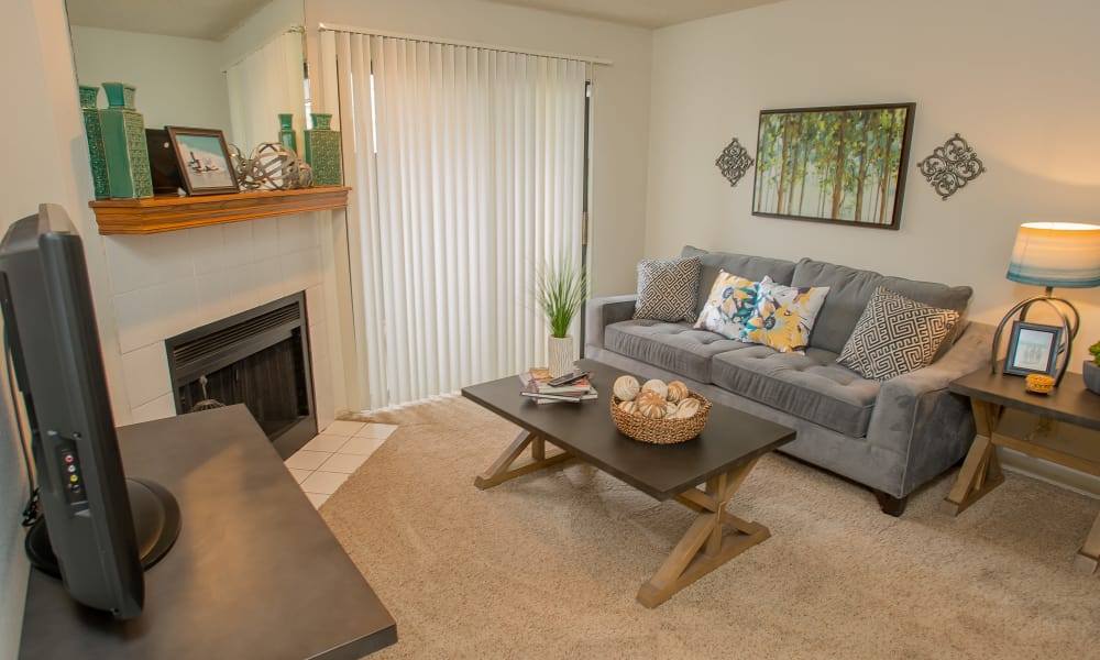 Spacious living area at Polo Run Apartments in Tulsa, Oklahoma