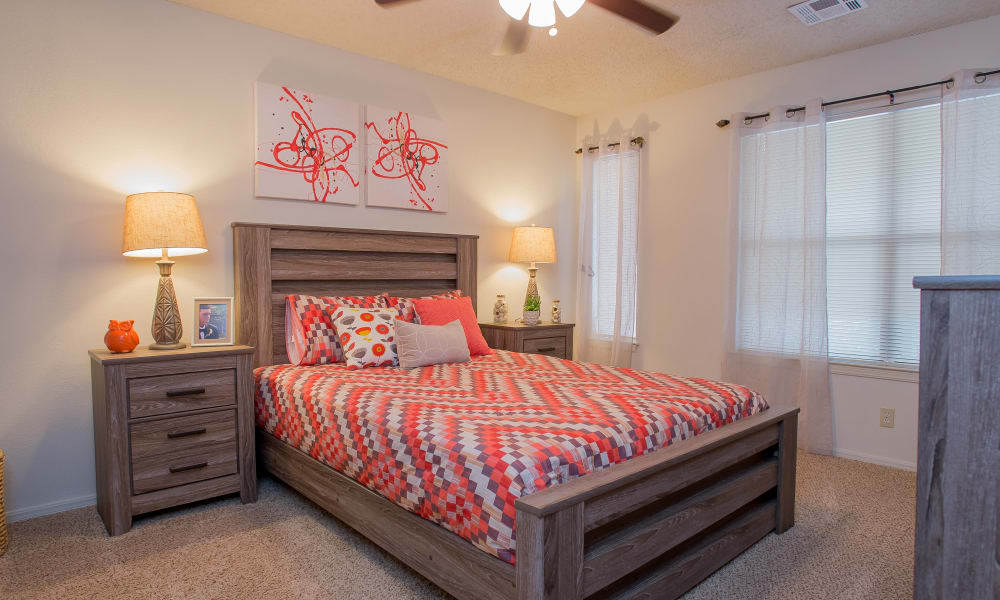 Polo Run Apartments offers spacious bedrooms in Tulsa, Oklahoma