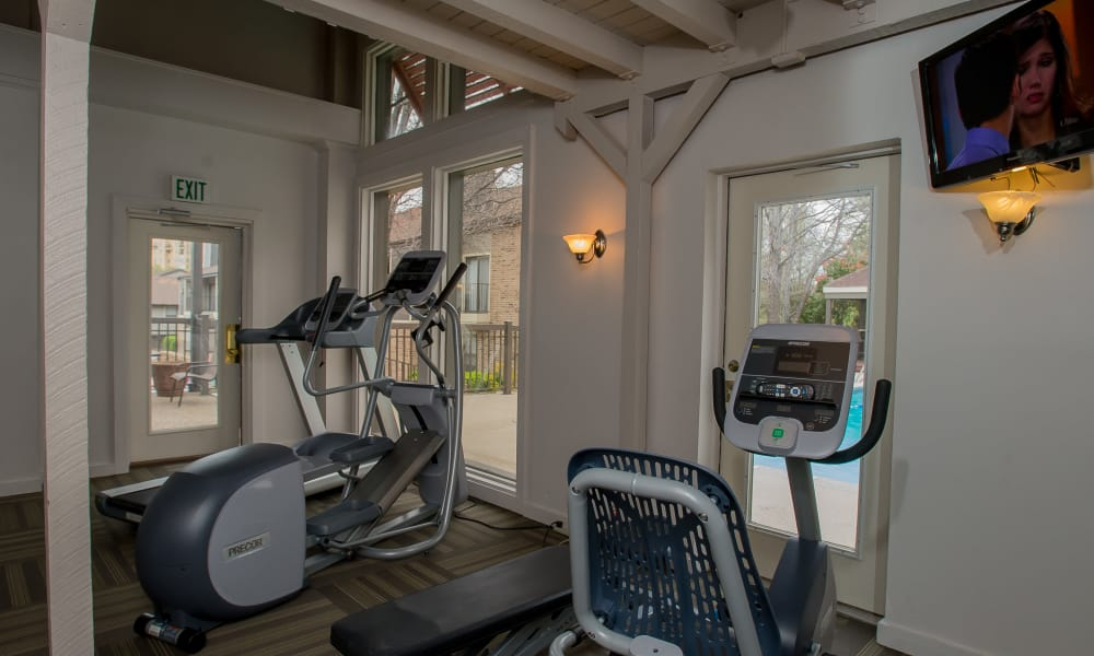 Polo Run Apartments offers a well equipped fitness center in Tulsa, Oklahoma