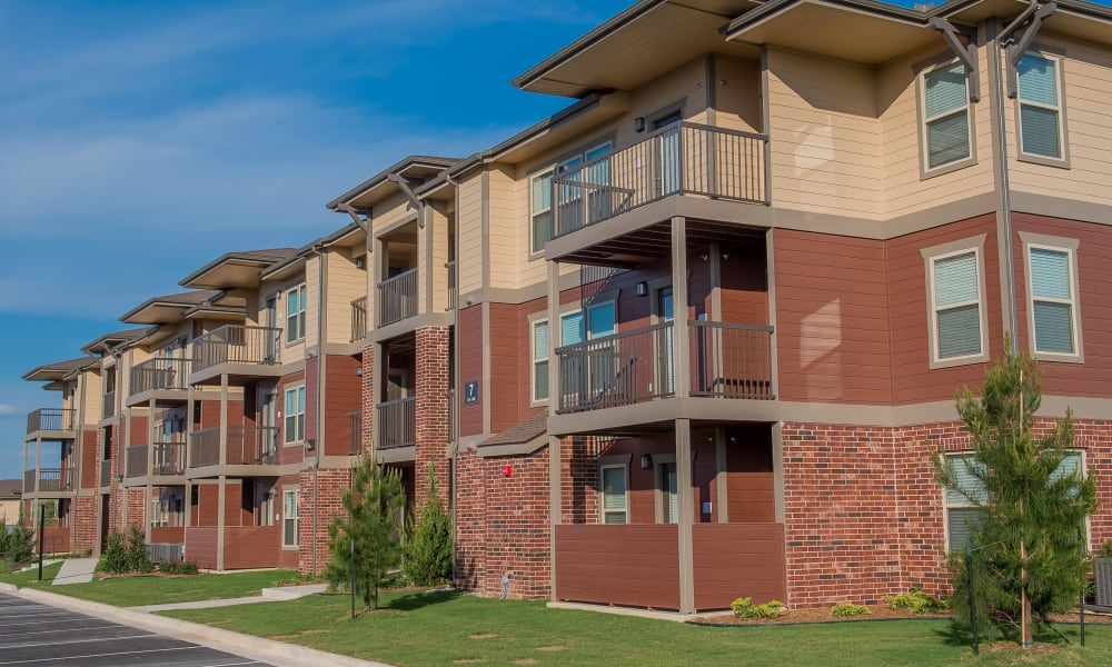 Apartment buildings at Icon at Hewitt in Hewitt, Texas