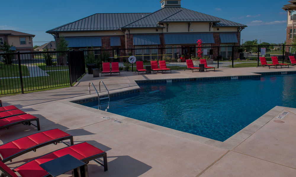 Resort-style swimming pool at Icon at Hewitt in Hewitt, Texas