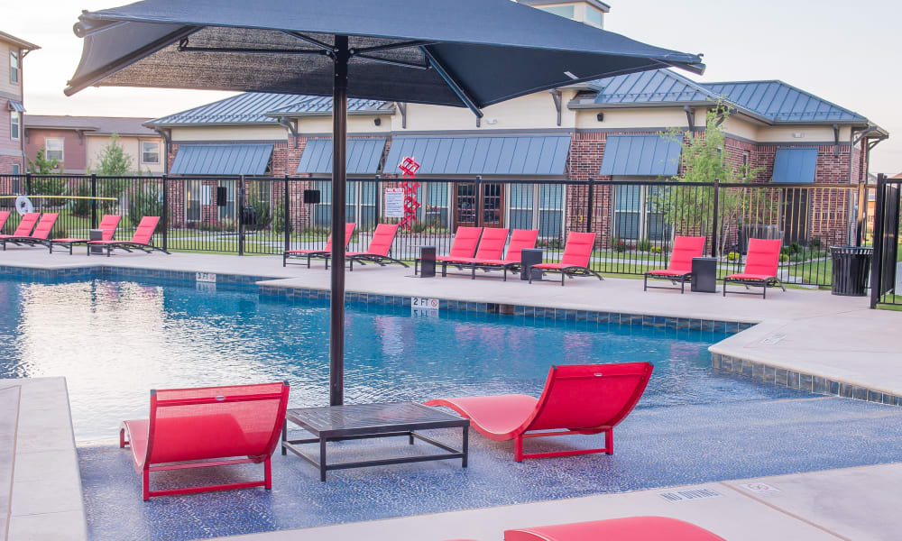 Poolside seating at Icon at Hewitt in Hewitt, Texas