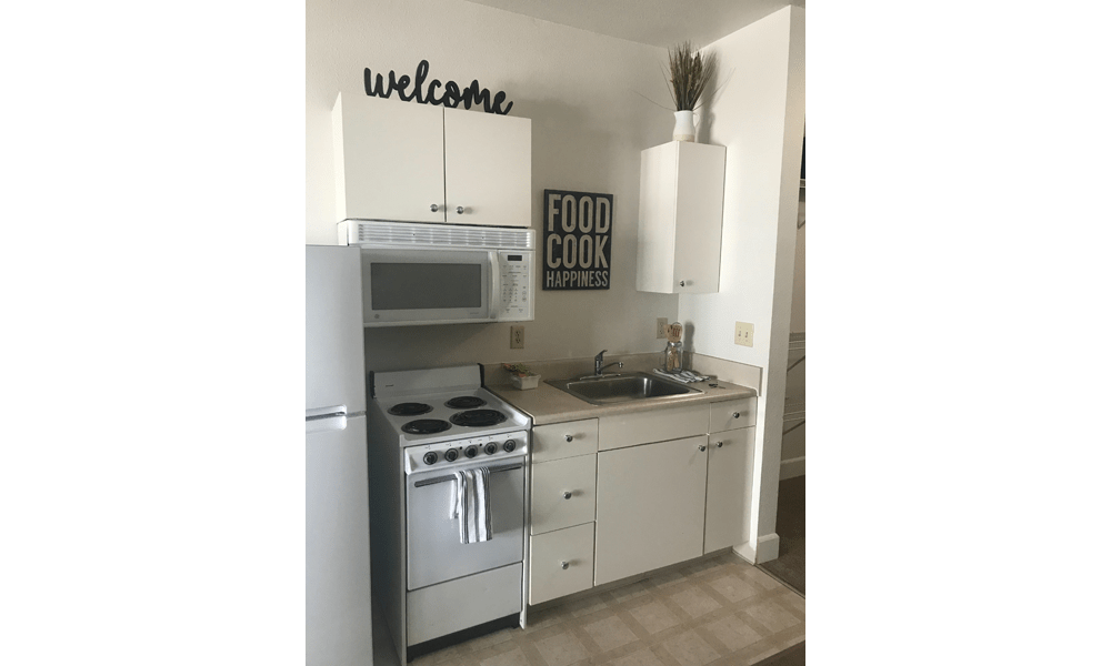 Nice clean kitchen in our Reno, NV apartments