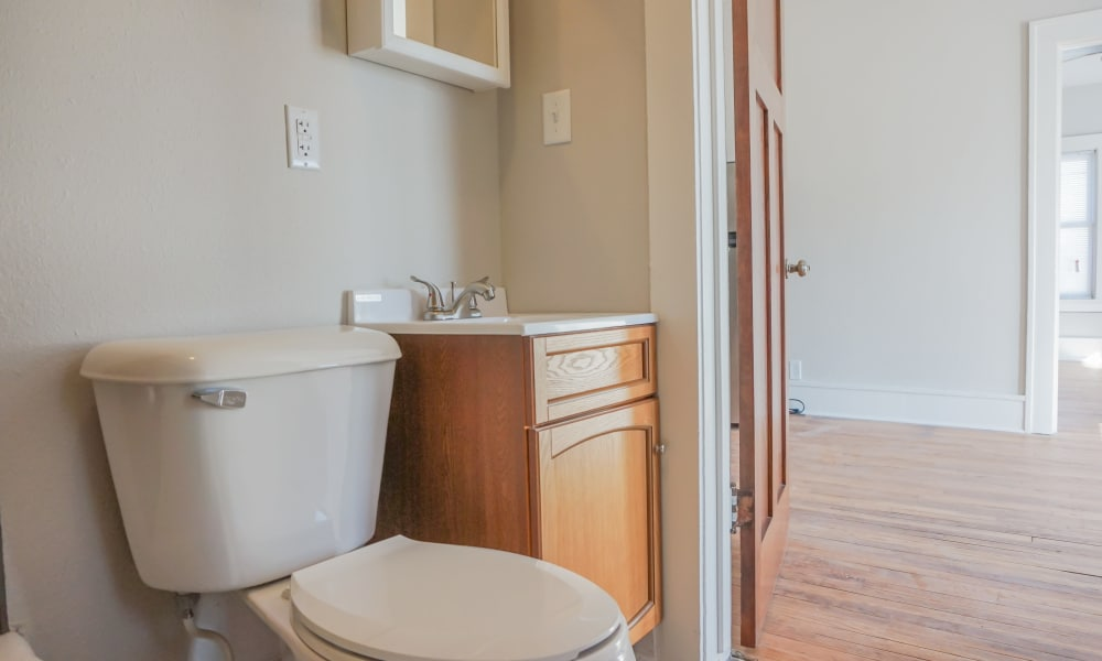 Cozy bathroom at Ingersoll Flats in Des Moines, Iowa