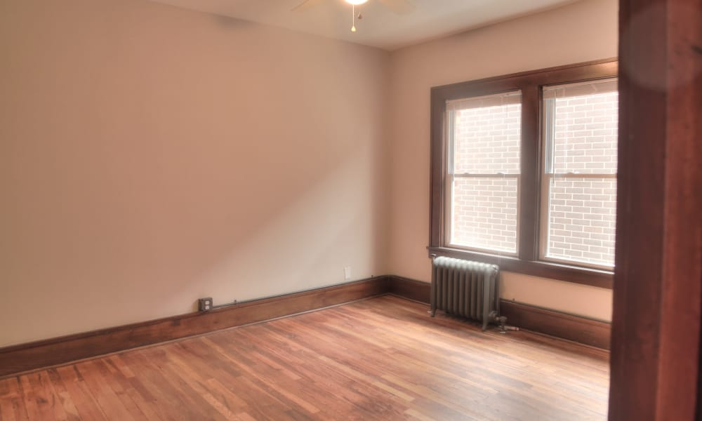 Open living room at Ingersoll Flats in Des Moines, Iowa