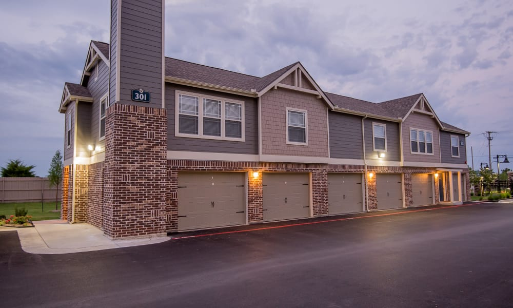 Beautiful apartment buildings at Scissortail Crossing Apartments in Broken Arrow, Oklahoma