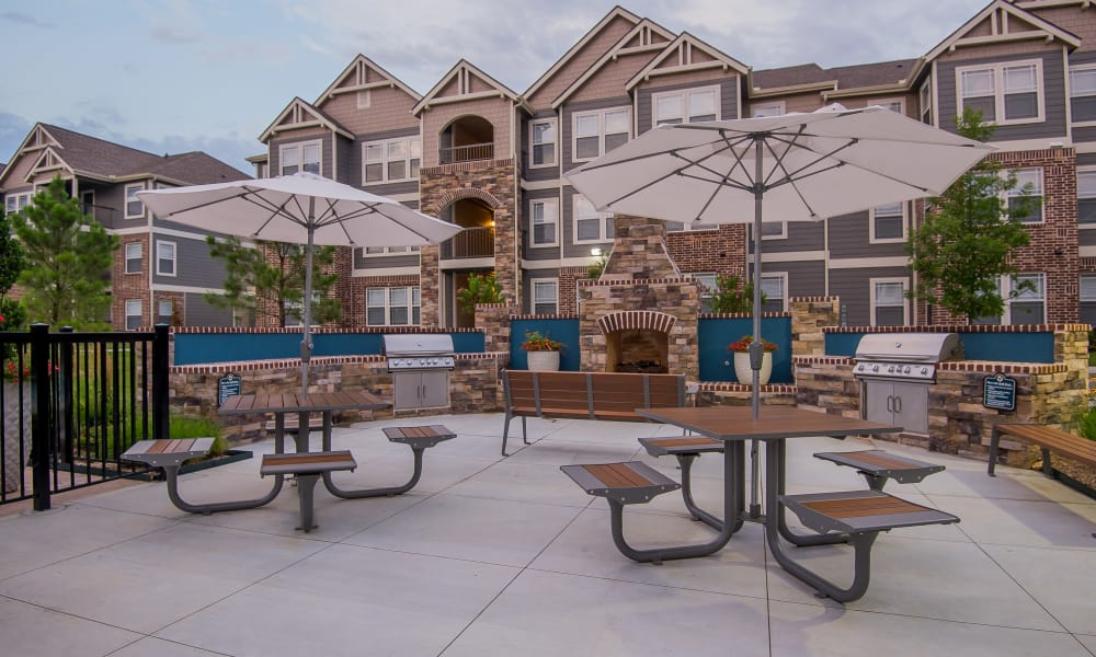 Outdoor patio area at Scissortail Crossing Apartments in Broken Arrow, Oklahoma
