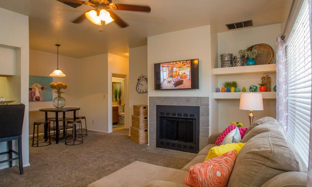 Spacious living room at Sheridan Pond in Tulsa, Oklahoma