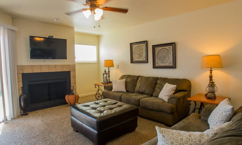 Living room at Sheridan Pond in Tulsa, Oklahoma