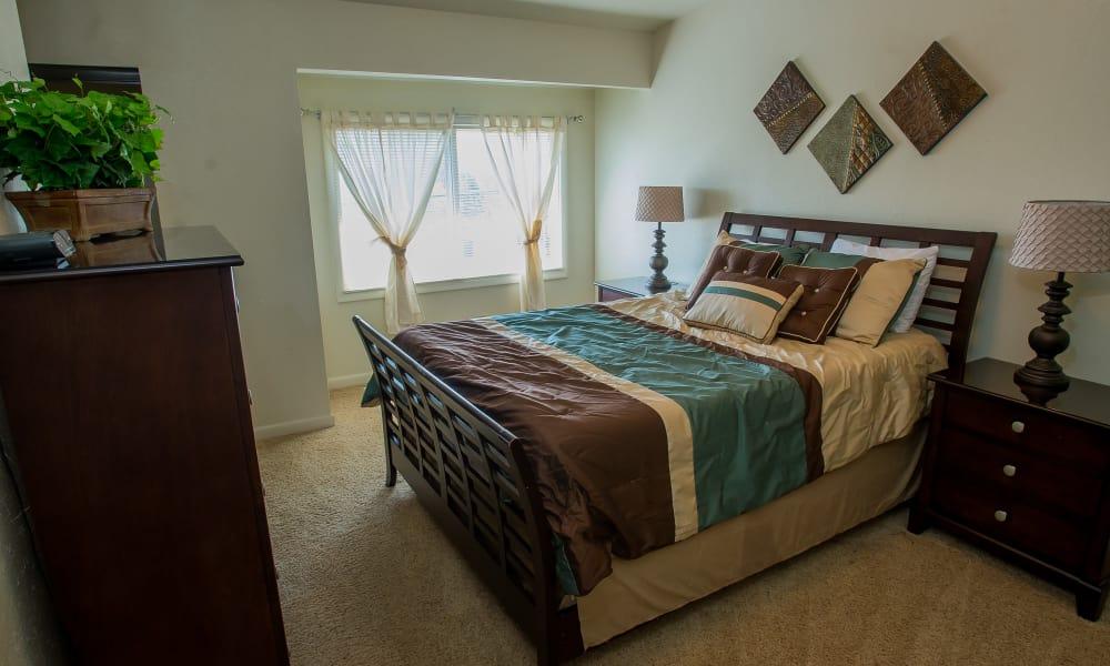 Well-lit bedroom at Sheridan Pond in Tulsa, Oklahoma