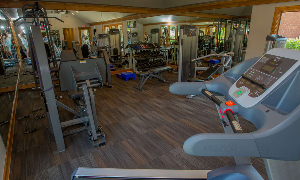 Sheridan Pond offers a fitness center in Tulsa, Oklahoma