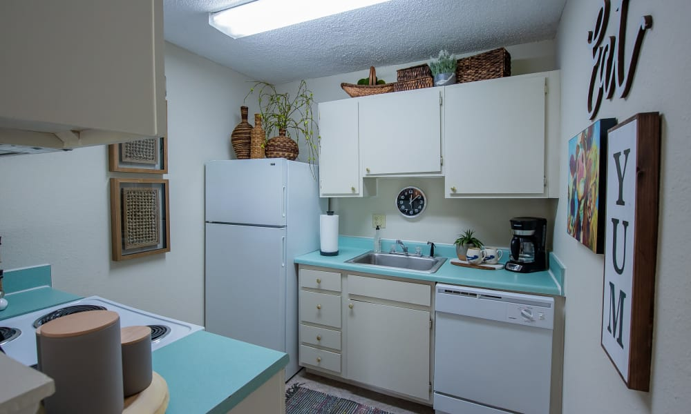 An apartment kitchen at Summerfield Place Apartments in Oklahoma City, OK