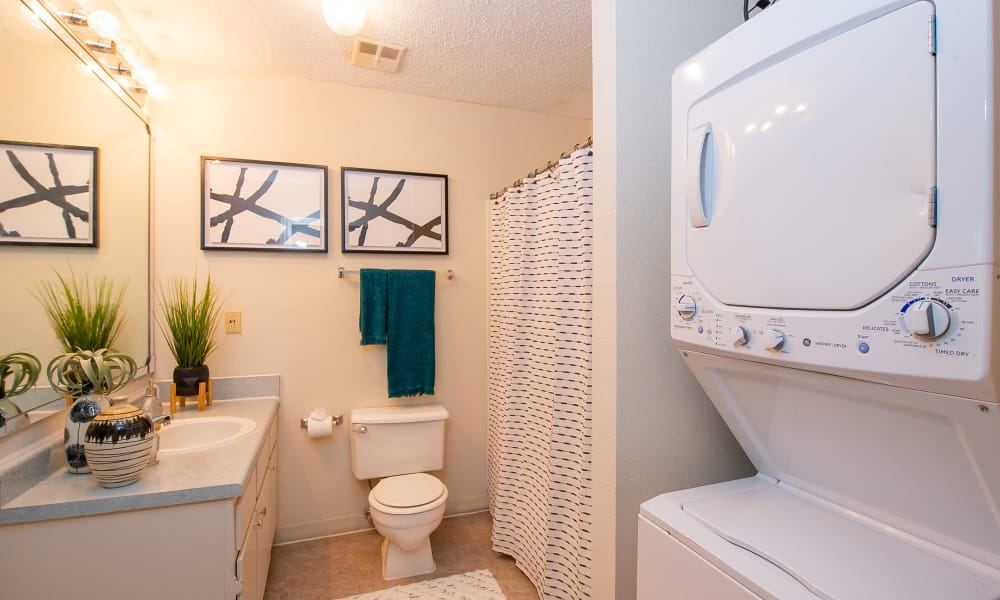 Washer and dryer at Summerfield Place Apartments in Oklahoma City, Oklahoma