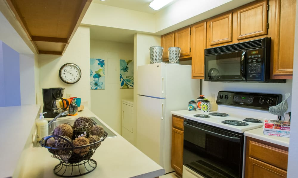 Fully equipped kitchen at The Courtyards in Tulsa, Oklahoma